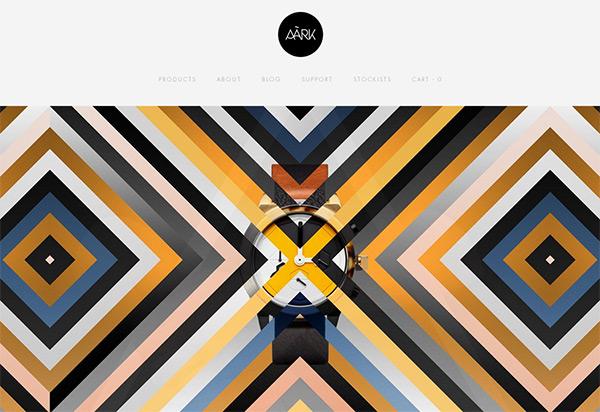 AARK_Collective-geometrik-sekiller-kullanilmis-siteler