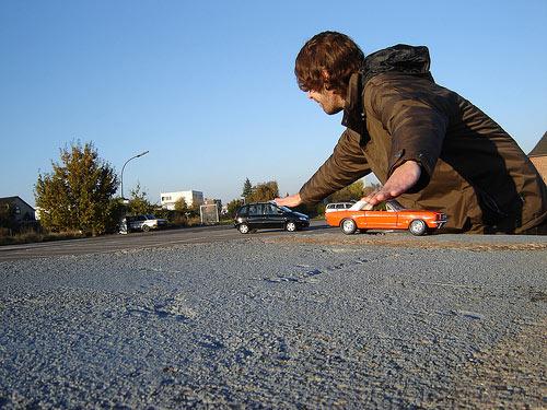 oyuncak-arabalar-fotografta-perspektif
