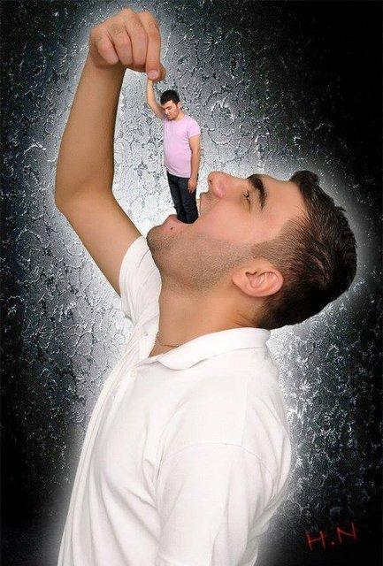 Neyse ki bunu sadece photoshopta yapacak kadar psikopatız